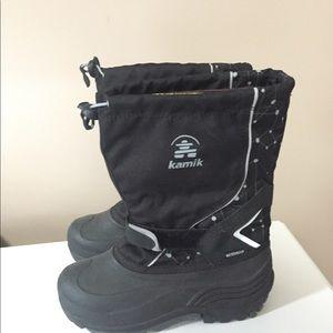 Kamik snow boots Waterbug size 5 like new